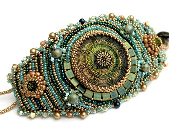 Beadembroidery Bracelet - Emerald Circle Bracelet