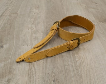 "Handmade Leather Guitar Strap - Cheyenne [2""]"