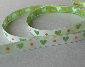 Ribbon heart white / green may 8 mm