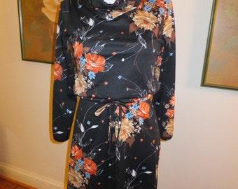 Vtg. Polyester Floral Dress w/belt