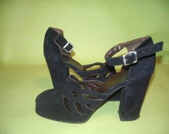1970's  Vintage Suede Platform Shoes size 7 1/2 B