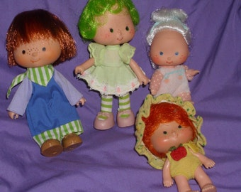 4 vintage Strawberry Shortcake dolls from estate