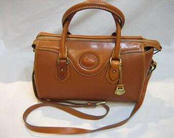 Vintage Dooney & Bourke British Tan AWL Pebble Leather Crossbody Handbag