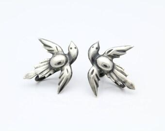 Vintage Bird in Flight Earrings with Screw Backs in Sterling Silver. [8553]