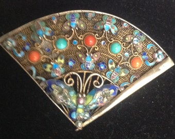 Fan brooch