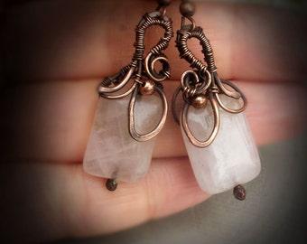 Wire wrap earrings Rose Quartz Earrings  Wire earrings  Pink  Earrings Rustic Wedding Jewelry  Copper Earrings  Wire wrapped Earrings