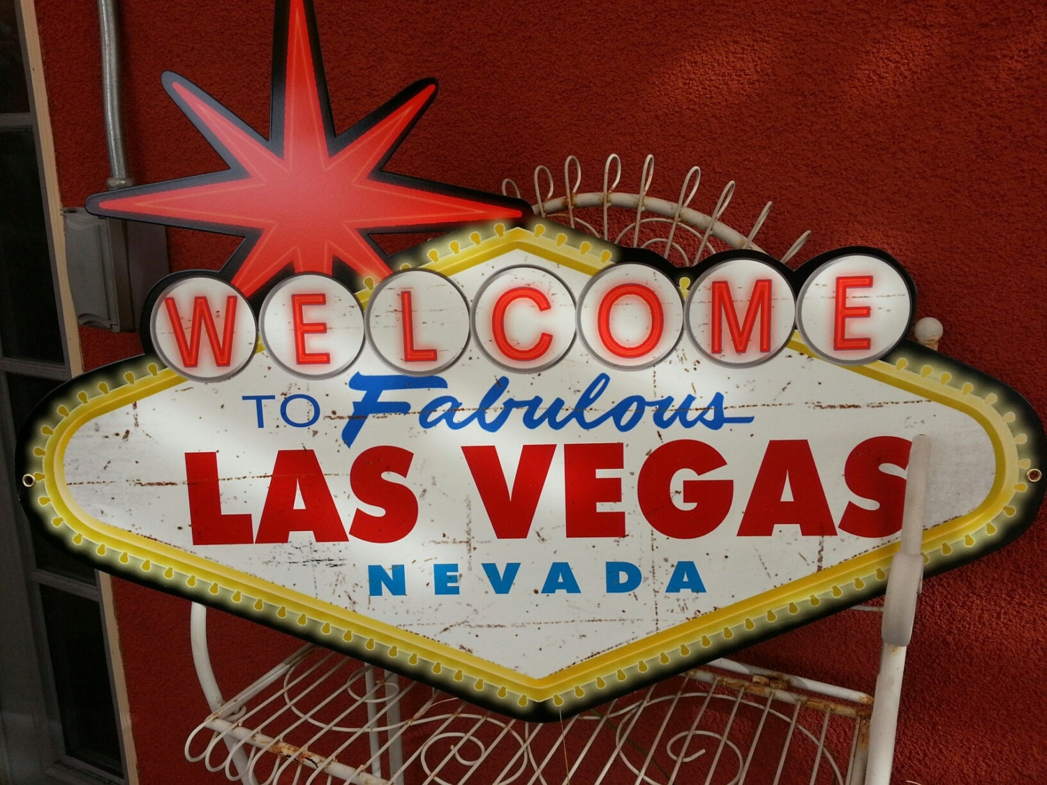 welcome to fabulous las vegas nevada shaped metal sign. Black Bedroom Furniture Sets. Home Design Ideas