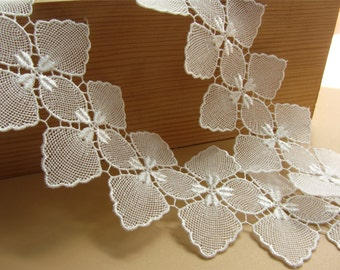 white Vintage flower Lace Fabric /  Lace Trim / Solubility Lace / white Lace Trim - 1 Yard,Schiffli Lace,machine-made lace,Chemical Lace