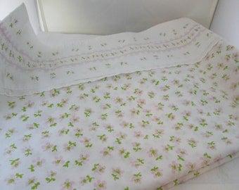 Vintage Fieldcrest Full Size Flat Sheet White with Tiny Pink Flowers bedding Double flat sheet Double bed flat sheet Fieldcrest sheet