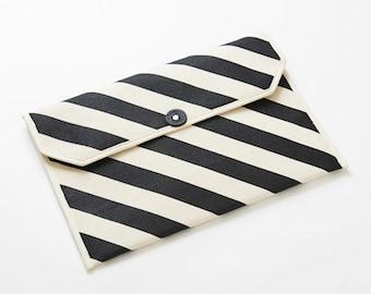 "Envelope shape 13"" Macbook Laptop case / Stripe-Inkblack"