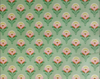 100% Cotton Fat Quarter Freespirit Buttercup in Green