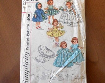 Vintage Doll Pattern For Wedding Dress and Trousseau Simplicity No.2294 1960's