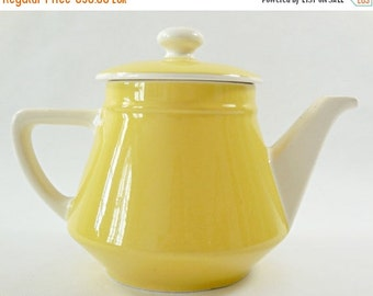 ON SALE 10% on every item Romantic vintage jellow Villeroy and Boch Tea/coffee pot 1940. Shabby chic