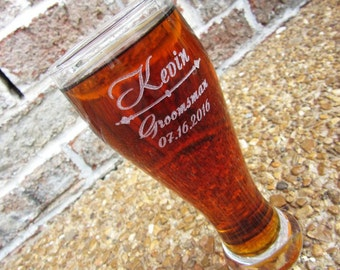 1 Groomsmen Gift, 1 Personalized Beer Glasses, Custom Engraved Pilsner Glass, Wedding Party Gifts, Gifts for Groomsmen, 12oz Glasses