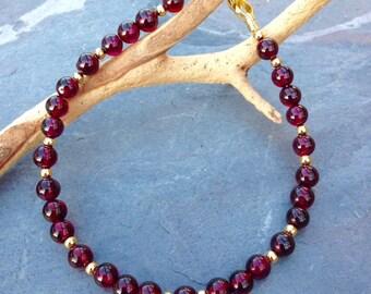 Garnet Bracelet/beaded bracelet/handmade/dainty bracelet