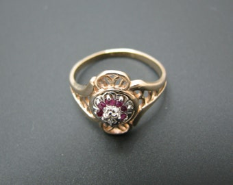 Lovely Vintage Ruby and Diamond Ring set in 10k Yellow Gold