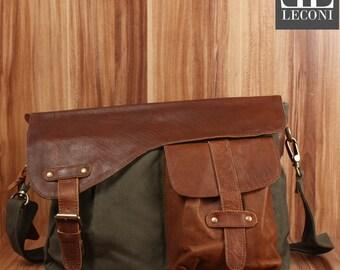 LECONI Messenger bag collegiate bag DIN A4 Messenger bag shoulder bag leather of canvas green LE3032-C