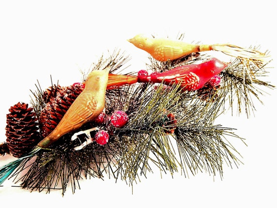 Clip On Bird Christmas Tree Ornaments Red And Gold Molded