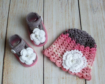 Pink and gray baby girl flower hat and shoes - Baby girl hat and shoe set - Newborn Hat and shoe - Crochet baby girl clothes - Ready to ship