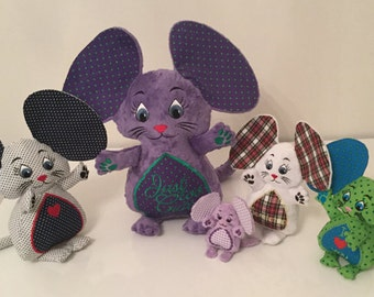 Madame and her mice Family - Machine Embroidery ITH - 4x4, 5x7, 6x10, 7x12 and 8x14 hoop - Vp3. Vip, Pes, Hus, Exp, DST, XXX & Jef formats