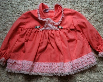 Vintage baby dresses/ vintage baby clothes/ baby dresses / baby dress/ 6 - 9 months / made in usa