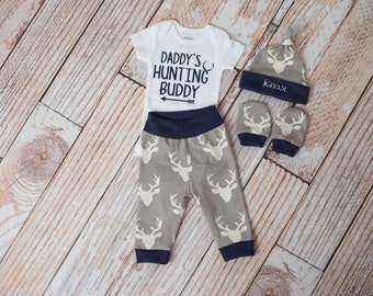 Baby Personalized Baby Deer Antlers/Horns Bodysuit, Hat, Scratch Mittens Set with Navy Trim + Daddy's Hunting Buddy Bodysuit