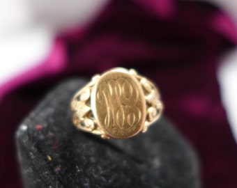 E S H Monogrammed Gold RING Estate RING Size 4.75 Excellent