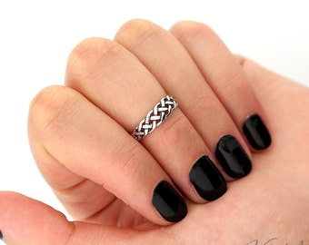 Sterling Silver Celtic Knot knuckle ring midi ring above knuckle ring also toe ring (T-105)