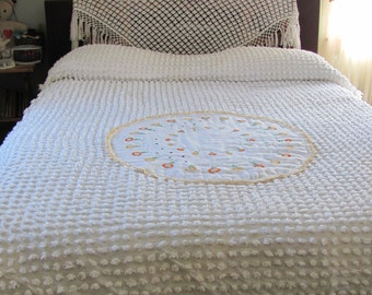 Vintage Upcycled Chenille White Popcorn Full / Twin Bedspread
