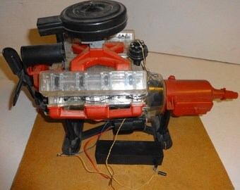 1960 V-8 Visible Engine by Renwal. Built up model All excellent+ condition