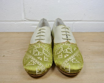 Size UK3 US4.5 EU35:Ladies Handmade Oxford Style shoe.  Woven textile and soft cream leather. All hand constructed.