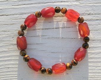Carnelian and Tigers Eye Bracelet, gemstone and semi precious stones, faceted Carnelian, round Tigers Eye, quality beads, stretch bracelet