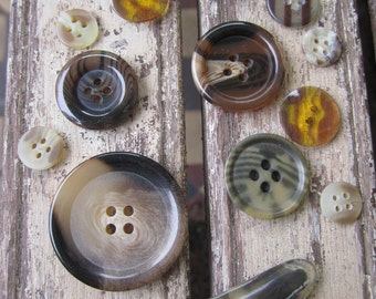 15 Vintage Faux Tortoise Shell Buttons - Mixed lot