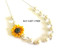 Bridesmaid Jewelry, Sunflower Flower Girl Necklace, Wedding White pearl, Yellow Sunflower, Bridesmaid Jewelry, Bridesmaid Necklace