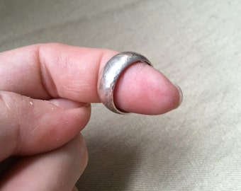 Simple Sterling Band Ring -- 528
