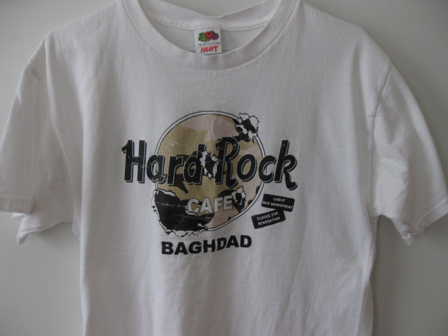 hard rock cafe baghdad t shirt shirt adult large. Black Bedroom Furniture Sets. Home Design Ideas