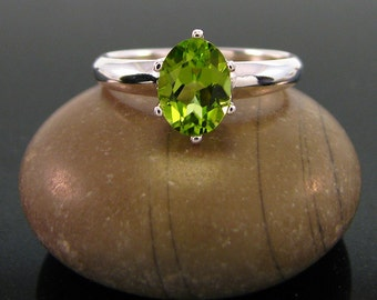 Peridot Ring  sterling silver peridot ring - August Birthstone Ring - peridot ring silver - ring peridot - genuine green peridot size 6 7 8