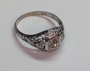 Vintage Art Deco Diamond Filigree Ring 18k White Gold with Heart Sides Engagement or Fun Ring