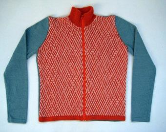 men's cardigan with zipper, 100% alpaca, knitwear, handmade and super soft. Dark green, white and light grey.