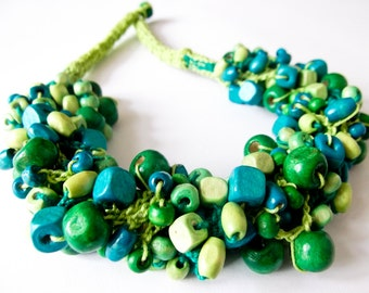 Crochet necklace with wooden beads-green and turquoise
