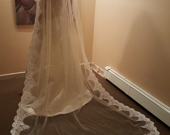 Ready to Ship***Cathedral Veil Light Ivory with Lace Edging Style EC 1003