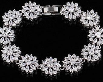 Luxury Bridal CZ Prong Set Bracelet /Wedding Bracelet CZ / Sparkly Gorgeous CZ Bracelet