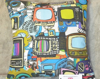 """Vintage Televisions & Technology Cushion Cover 17""""x17"""" 43cm sq 100% Cotton Blue, Green, Red, Pink, Black, Yellow"""