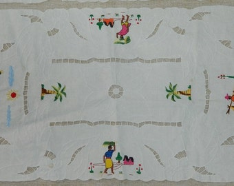 Former reunion made hand embroidery, table runner vintage meeting