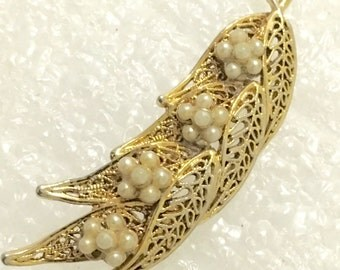 vintage TACOA signed Filigree goldtone faur pearl brooch pin