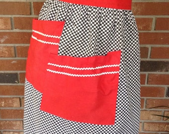 Vintage Black and White Checked Apron / Large Red pockets