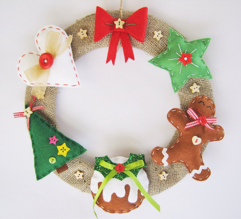 Christmas holiday wreath felt and burlap hessian hanging decoration
