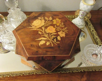 ITALY REUGE MUSICAL Jewelry Box
