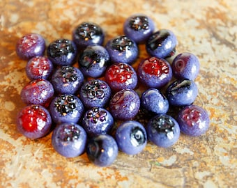Blueberry - Set of 5 Glass Beads. Blueberry Glass Sculpture. Realistic berries. Ripe glass blueberry.Murano glass, lampwork glass bead.