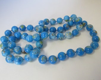 Vintage Blue Beaded Necklace with Flowers on the Beads / Costume Jewelry / Estate Jewelry